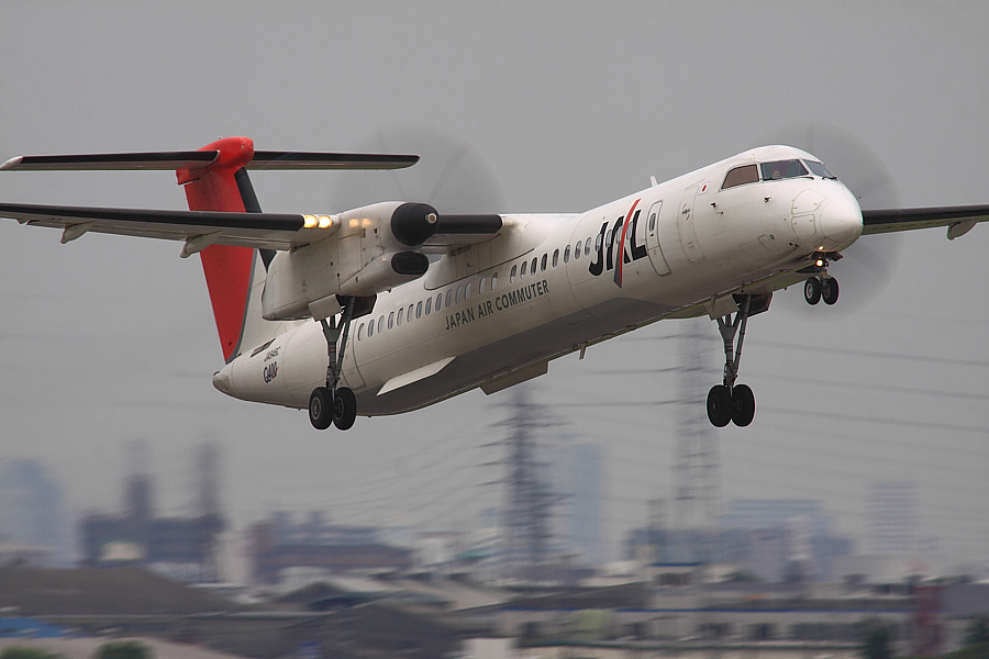JAC DHC-8-402Q JAC2401@下河原緑地展望デッキ(by EOS 50D with SIGMA APO 300mm F2.8 EX DG/HSM + APO TC2x EX DG)