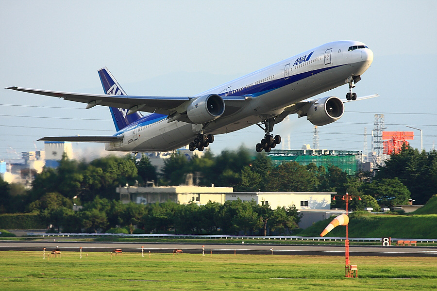 ANA B777-381 ANA34@下河原緑地展望デッキ(by EOS 40D with EF100-400mm F4.5-5.6L IS USM)