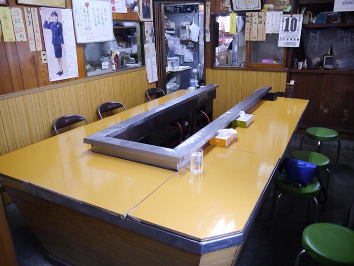 皆川食肉店カウンター