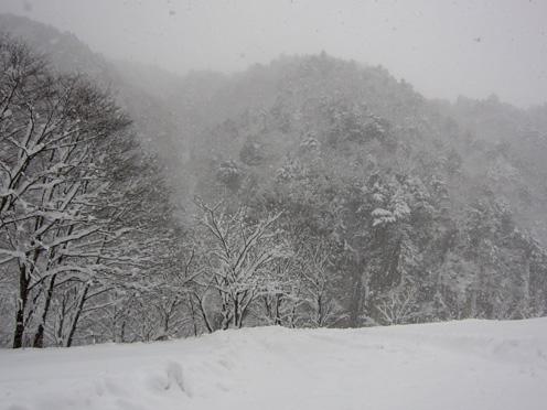 冬の屏風岩