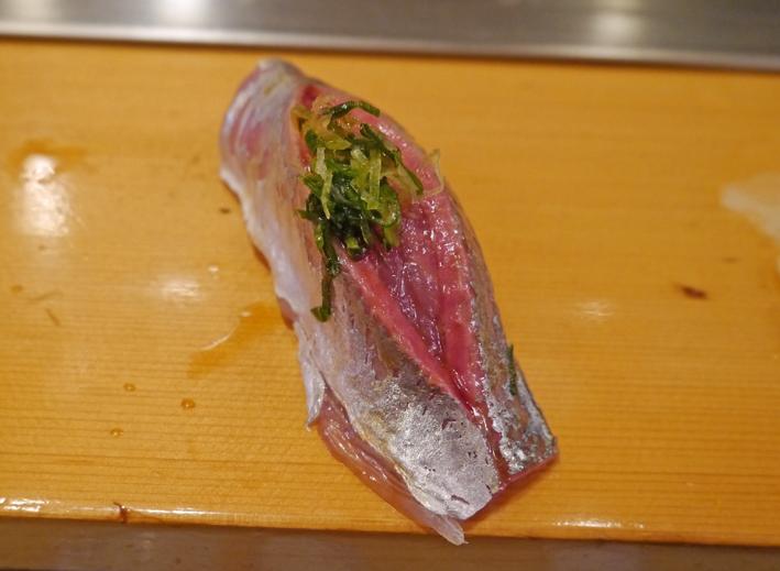 寿司大釣り鯵