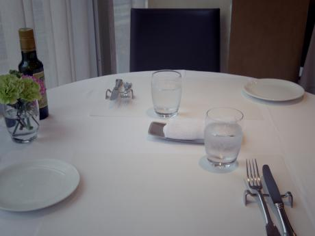 アルバロンガテーブル