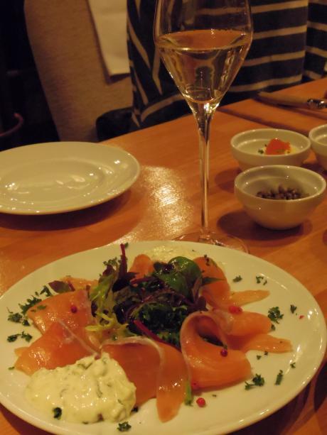 シャンパン食堂サーモンマリネ