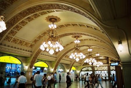 旧阪急梅田駅コンコース(写真)