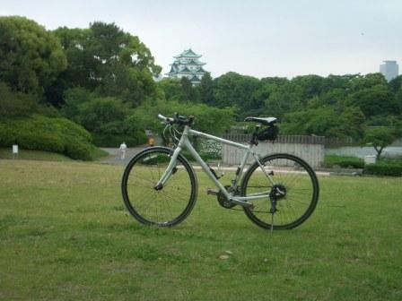 クロスバイクと名古屋城