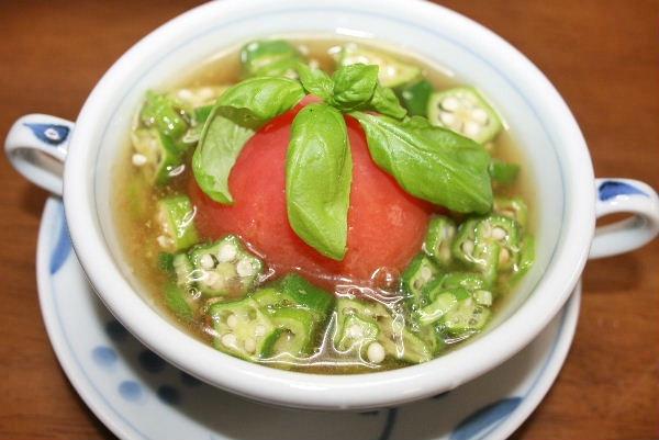 おくらとトマトの冷たいスープ