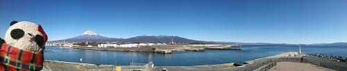 田子の浦の富士山と海パノラマ