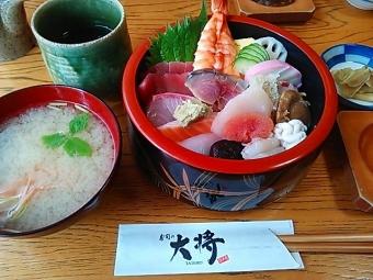 寿司の大将日替わり生ちらし