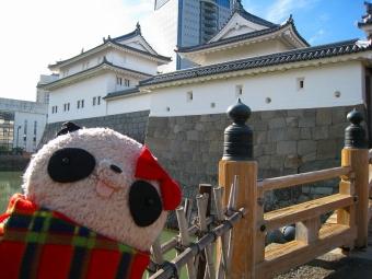 ばぶちゃん駿府城東御門にて
