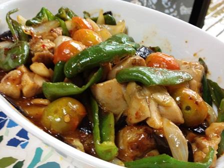 チキンと夏野菜の炒め物