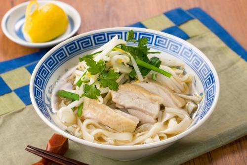 ベトナム風鶏肉ともやしのふし麺