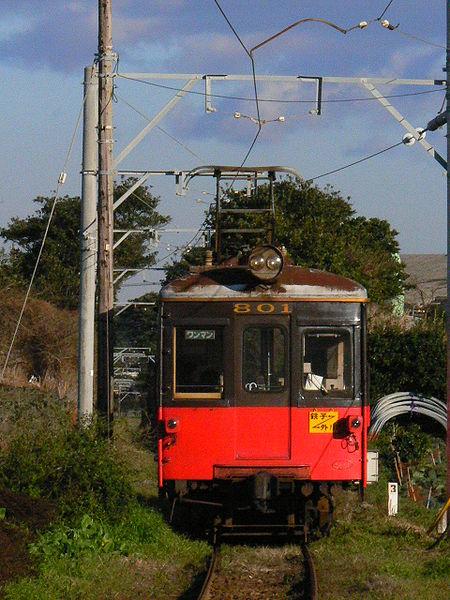 犬吠駅付近を走る電車