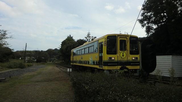 上総中野駅に入ってい来るいすみ鉄道車両