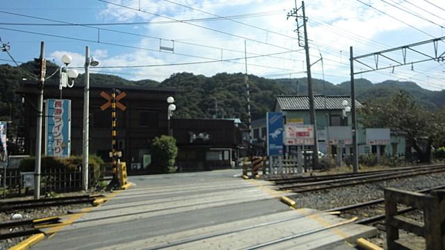 長瀞駅の隣にある踏切