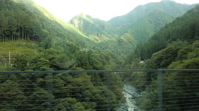 国道140号線から眺めた奥秩父の山々
