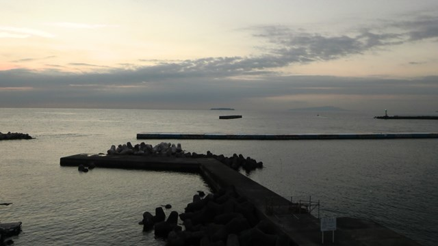 熱海港の早朝