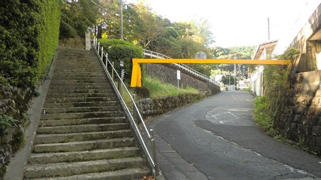 長光寺へと続く階段