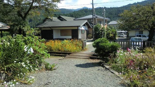 国道362号線からから崎平駅へ