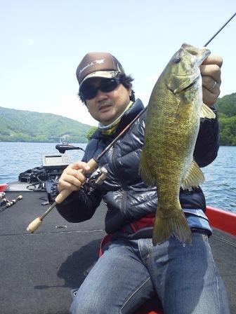 釣れますね、桧原湖