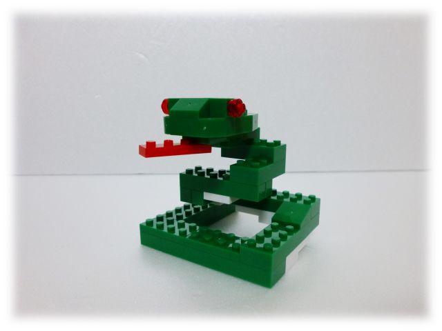 nanop_snake_01.jpg
