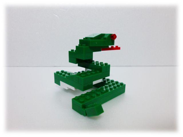 nanop_snake_03.jpg