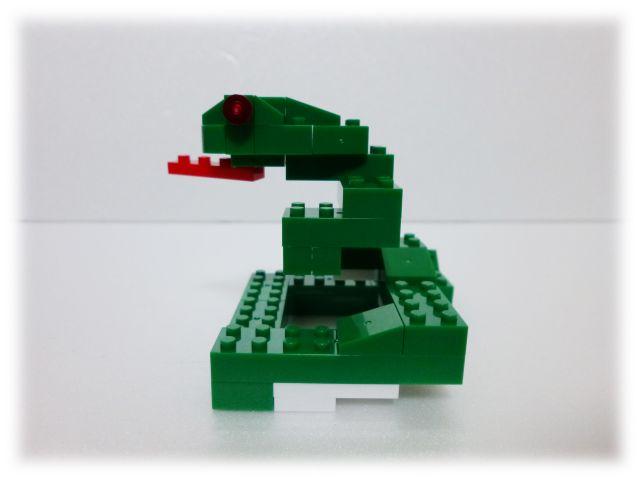 nanop_snake_06.jpg
