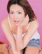 AKB48宮澤佐江が制服を脱ぐ仕草が超エロい他お宝画像裏流出♪