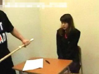 【無修正】女子校生の弱味を握り、フェラを強要した鬼畜教師が止まらず教室でレイプ!