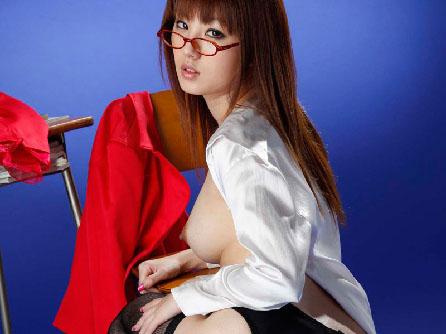 ガーターベルト美脚で淫乱セクシー着エロ下着に桃尻エロ画像【パンチラ】