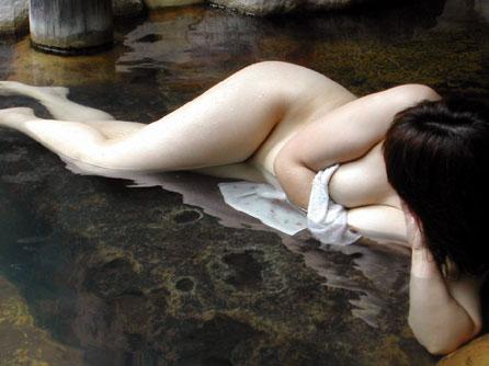 温泉旅行でおっぱいと戯れたいね