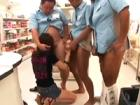 【万引き制裁】万引きしといて反省の無いクッソ生意気な女の子を店員総出で制裁!