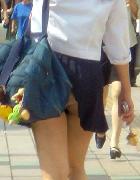 街撮りJC・JKの透けブラ画像下さい!!