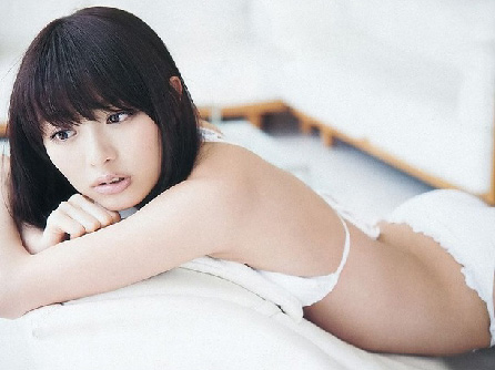 内田理央(21)の水着姿が天使すぎるwwwwwwwwwwww