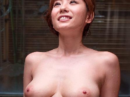 【麻美ゆま画像】熟してさらにエロくなるカラダ!…さすがの美乳ですね!
