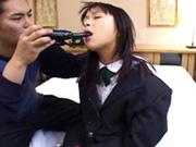 【無修正】マニアックな男に好き勝手弄られ凌辱されハメられる女子校生の一部始終が壮絶!