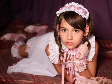 3次元 ドレスとかゴスロリ衣装の洋ロリ娘(*´Д`)ハァハァ画像 25枚