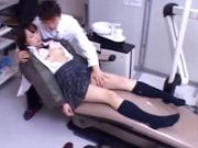 【鬼畜医師】患者の女子校生を眠らせて診察台の上で悪戯した後、中出しまでしてしまう鬼畜医師!
