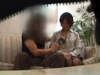 某有名生保会社で新入女子社員向けに使われている肉体営業盗撮動画。