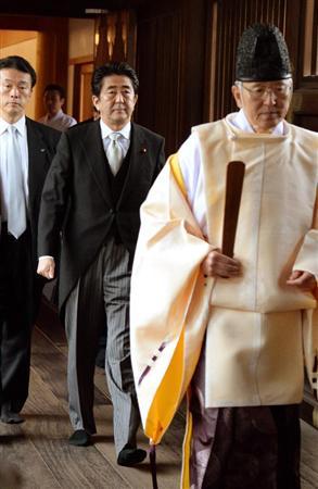 靖国神社参拝安陪総理