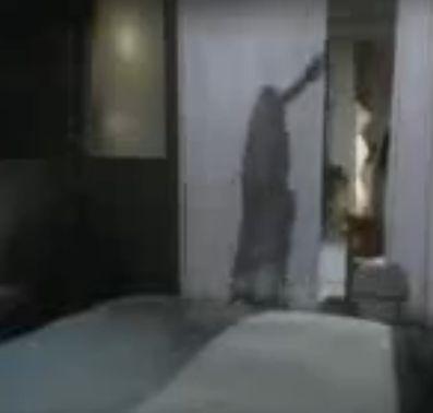 【川原亜矢子】ベッドに押し倒されるラブシーン