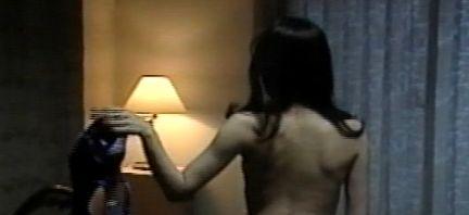 【青山麗子】乳首モロだしのヌードシーン