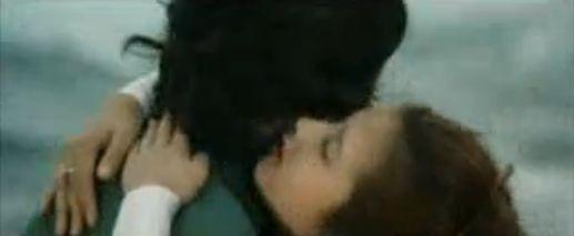 【大原麗子】体を密着させながら何度も激しいキスをする濡れ場