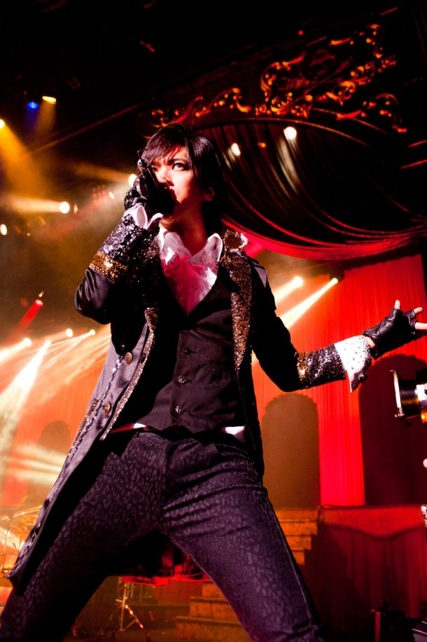 news_large_breakerz_live0227_04.jpg