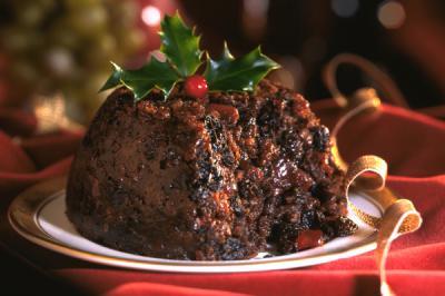 christmas-pudding-on-red-tablecloth.jpg