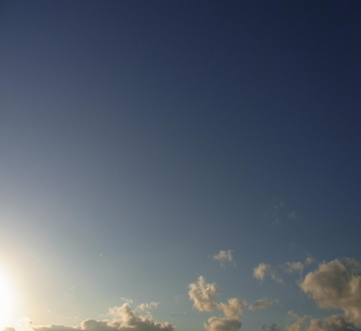 空2012112402