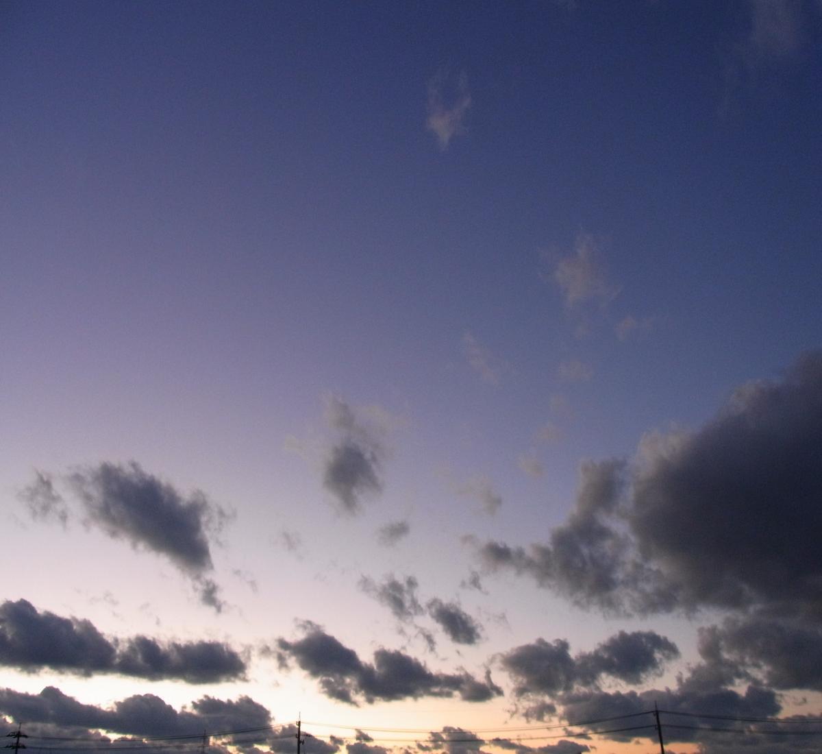空2012112403