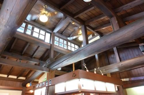 サテンの天井