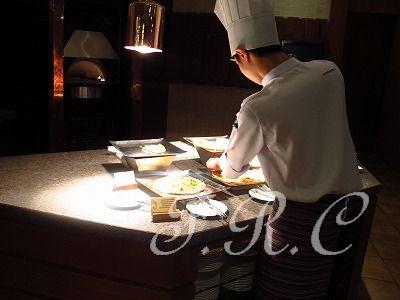 チェンマイシャングリラ ホテルのビッフェディナー