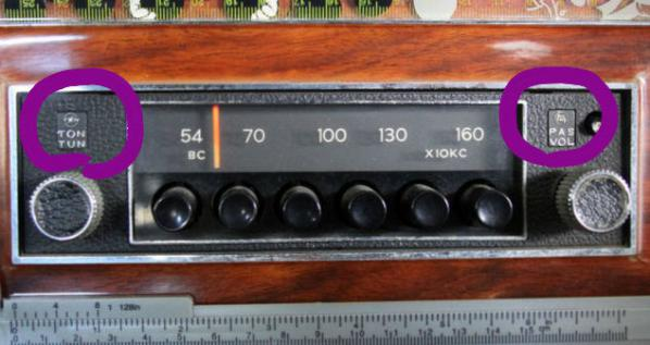 car radio 現物バッジ