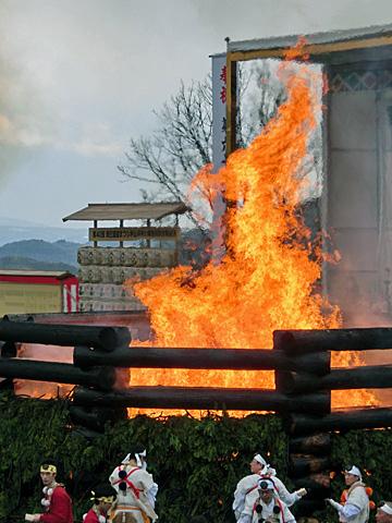 ご主人様の言うとおりだよ~ 炎の祭典の写真もあるよ~